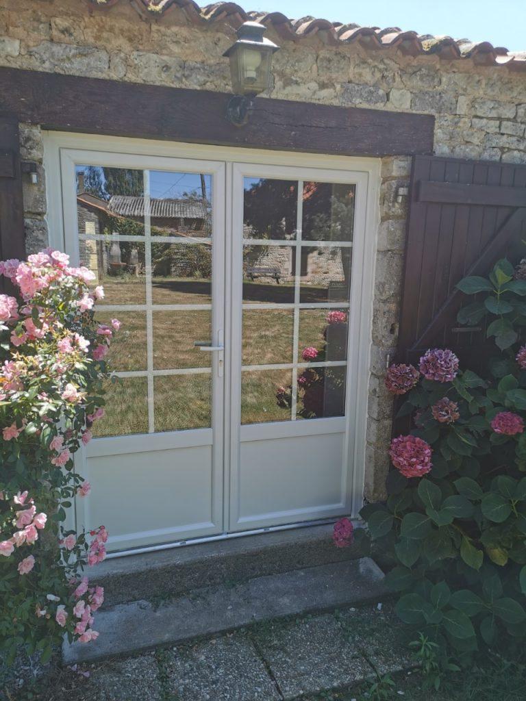 Porte fenêtre pvc petits carreaux