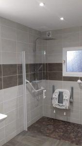 Vue 3D d'une salle de bain pmr