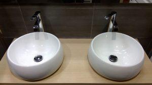 Vasques design sur meuble salle de bain
