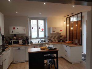 cuisine moderne blanche et bois clair